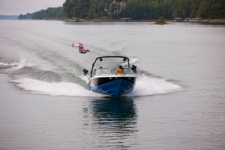 l_2100rx_lifestyle_wakeboard_13_0046-1000x666