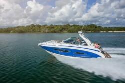 2016 - Regal Boats - 32 Express Cruiser