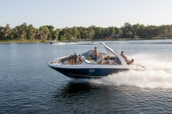 2017 - Regal Boats - 2700 ES