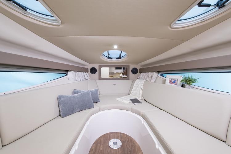 l_28express-16-interior-0675