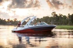 2020 - Regal Boats - 2100