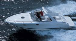 Regal Boats 3350 Cruiser Boat