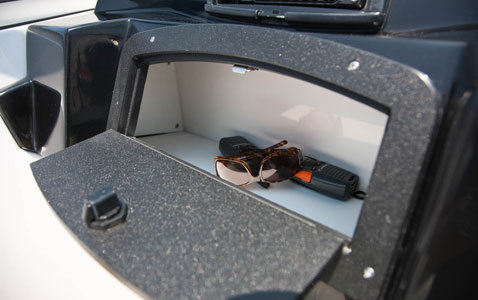 comimagesfeature_imageslargef_10rk_190mtx_storage__port_side_dash_glove_box_2237