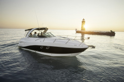 2015 - Rinker Boats - Express Cruiser 310