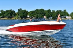 2020 - Rinker Boats - Q7 BR