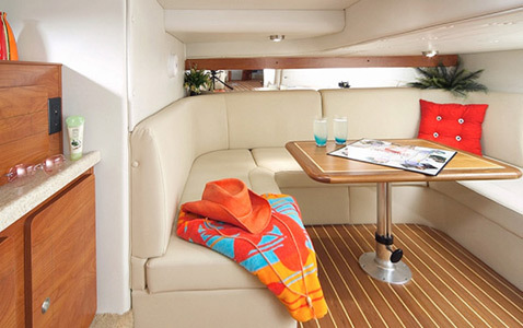 com_images_feature_images_large_370-aft-cabin_3