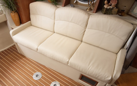com_images_feature_images_large_rinker_08_330_sofa1