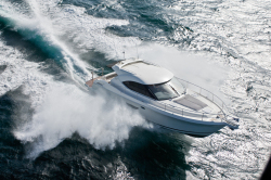 2014 - Riviera Boats - 4400 Sport Yacht