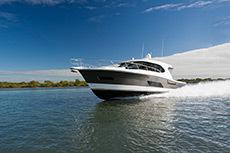 2020 - Riviera Boats - 445 SUV