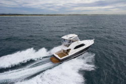 2013 - Riviera Boats - 43 Open Flybridge
