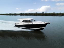 2014 - Riviera Boats - 3600 Sport Yacht II