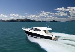 2017 - Riviera Boats - 3600 Sport Yacht Series II