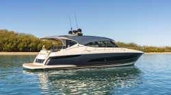 2020-Riviera Boats-5400 Sport Yacht Platinum Edition