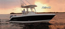 2013 - Robalo Boats - R240
