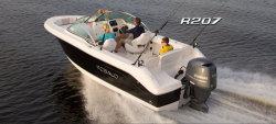 2014 - Robalo Boats - R207