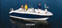2014 - Robalo Boats - R200