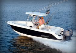 2014 - Robalo Boats - R240
