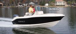 2015 - Robalo Boats - R180