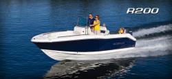 2015 - Robalo Boats - R200