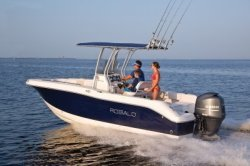 2018 - Robalo Boats - R200