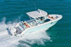 2017 - Robalo Boats - R317