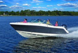 2019 - Robalo Boats - R227