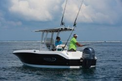 2020 - Robalo Boats - R202EX