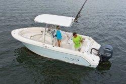 2020 - Robalo Boats - R222
