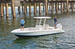 2020 - Robalo Boats - 246 Cayman