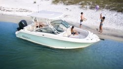 2021 - Robalo Boats - R247