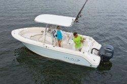 2021 - Robalo Boats - R222