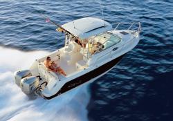 Robalo Boats R265 Walkaround Boat
