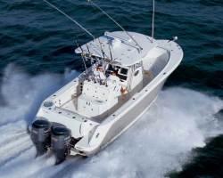 Robalo Boats R300 Center Console Boat