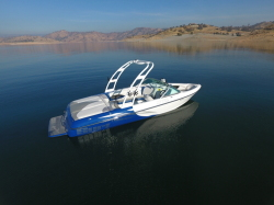 2018 - Sanger Boats - 215 S