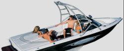 Sanger Boats V210 Ski and Wakeboard Boat