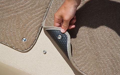 com_images_feature_images_large_f_08sp_snapincarpet1