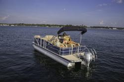 2015 - Sanpan Boats - SP 2200 SLR