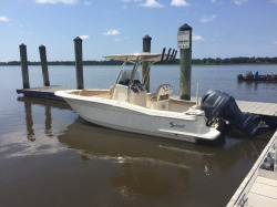 2018 - Scout Boats - 215 XSF