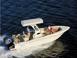 2018 - Scout Boats - 225 XSF