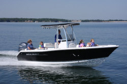 2012 - Sea Hunt Boats - Triton 210