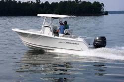 2012 - Sea Hunt Boats - Triton 240