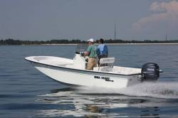 2012 - Sea Hunt Boats - Skiff 21