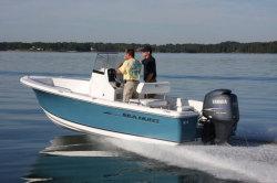 2013 - Sea Hunt Boats - Triton 202