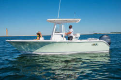 2019 - Sea Hunt Boats - Ultra 225