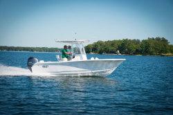 2019 - Sea Hunt Boats - Triton 210