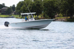 2019 - Sea Hunt Boats - Gamefish 27 with Coffin Box