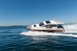 2018 - Sealine Boats - C330