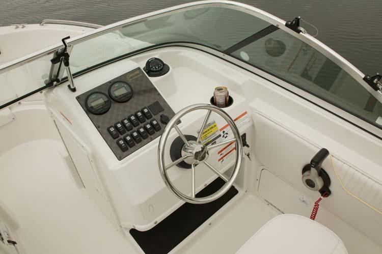 l_Seaswirl_Boats_1851_Dual_Console_O_B_2007_AI-234526_II-11266431