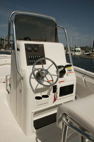 l_Seaswirl_Boats_2101_Center_Console_O_B_2007_AI-234446_II-11264502