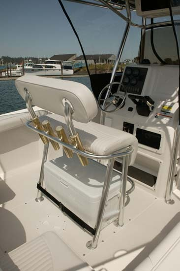 l_Seaswirl_Boats_2301_Center_Console_O_B_2007_AI-234450_II-11264552
